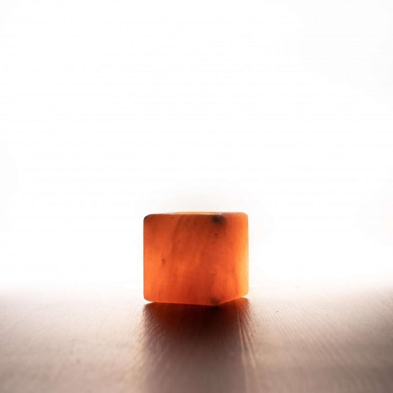 Himalája kristálysó kocka alakú csiszolt mécses - 1 db mélyítéssel